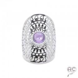 Bague ajourée d'inspiration ethnique, longue avec pierre violette en argent rhodié