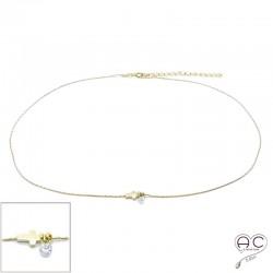 Collier ras de cou croix et petit brillant en cristal sur une chaîne en plaqué or, création, tendance