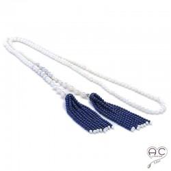 Sautoir cravate perles de culture d'eau douce blanche, pompons lapis lazuli, argent 925 rhodié serti zirconium blanc