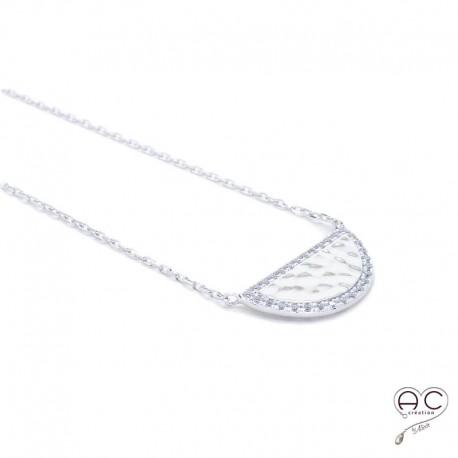 Collier demi-lune ras du cou, argent 925 rhodié martelé, contour serti de zirconium blanc