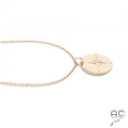 Collier médaille ronde boussole plaque or
