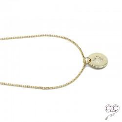 Collier médaille ronde avec une étoile du Nord gravée, plaqué or