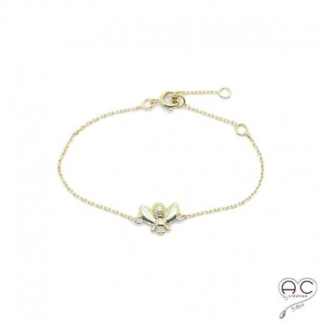 Bracelet abeille sur une chaîne en plaqué or