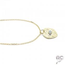 Médaille ronde martelé, sertie d'une pierre de lune, en plaqué or, tendance, bohème