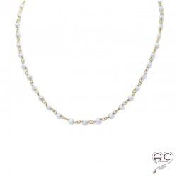 Collier perles de culture d'eau douce sur une chaîne en argent doré à l'or fin 18 carats ras de cou, création