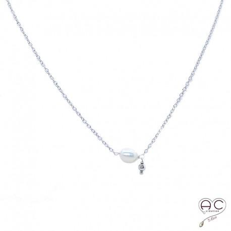Collier fin avec perle de culture d'eau douce et pampille boule sur une chaîne en argent 925 rhodié, ras de cou, création