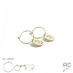 Boucles d'oreilles avec médaille gravée d'une étoile du Nord en plaqué or, choix des différentes attaches, femme
