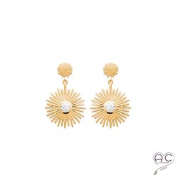 Boucles d'oreilles pendantes SANIA, soleil avec un zircon brillant sertie clos, en plaqué or satiné, femme