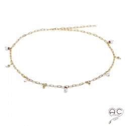 Collier breloques en perles naturelles et rubis, chaîne à maillons rectangulaires en plaqué or, fait main, création by Alicia