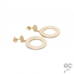 Boucles d'oreilles pendant OREA avec des cercles en plaqué or satiné et martelé, femme