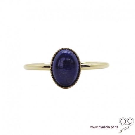 Bague avec lapis lazuli ovale en cabochon sur anneau fin en plaqué or, pierre naturelle blue, femme