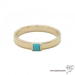 Bague zirconium bleu turquoise sur l'anneau ciselé en plaqué or, empilable, femme, tendance