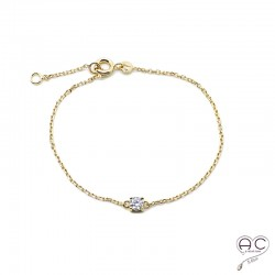 Bracelet avec solitaire en zirconium brillant sur une chaîne fine en plaqué or, femme
