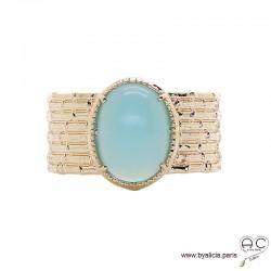 Bague avec agate bleue en cabochon sertie sur un anneau large en plaqué or, pierre fine, femme