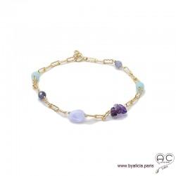Bracelet calcédoine bleue, améthyste, saphir d'eau, pierres fines parsemées sur une chaîne en plaqué or, création by Alicia
