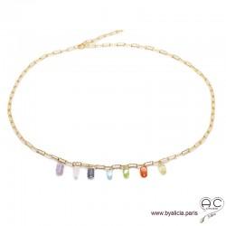 Collier avec pampilles de multiples pierres fines sur une chaîne en plaqué or, ras de cou, fin, création by Alicia