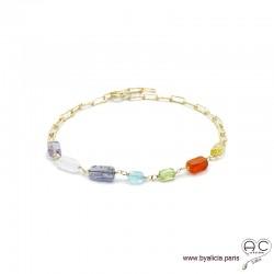 Bracelet avec pierres fines multi-couleur sur une chaîne en plaqué or, création by Alicia
