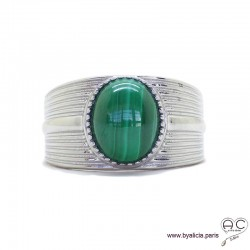 Bague avec malachite en cabochon sertie sur un anneau en argent massif rhodié, pierre naturelle verte, femme