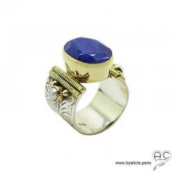 Bague avec indien bleu saphir et perles, anneau large en argent massif rhodié, ciselé, sertissage en laiton doré, ethnique
