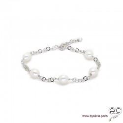 Bracelet avec perles de culture blanche parsemée sur une chaîne maillon rond en argent massif rhodié, création by Alicia