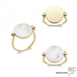 Bague réversible avec nacre blanc d'un côté et plaqué or de l'autre, ronde, femme
