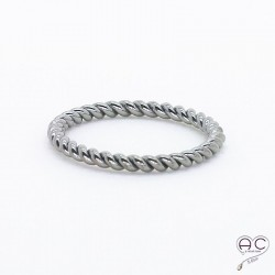 Bague anneau fin torsadé en argent 925 rhodié noire, empilable, femme