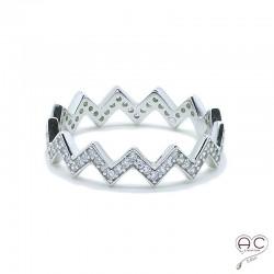 Bague anneau chevron serti de zirconium blanc en argent 925 rhodié, empilable, femme