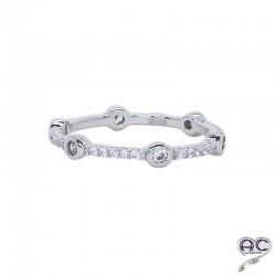 Bague anneau fin empilable en argent 925 rhodié serti de zirconium brillant blanc, femme